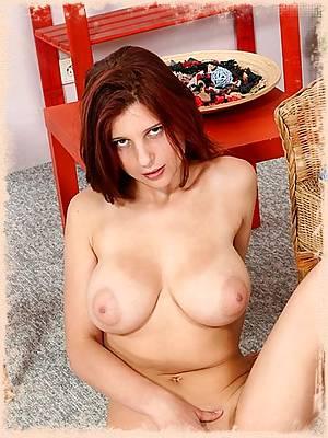 Huge tits babe Arwyn ready for a dildo