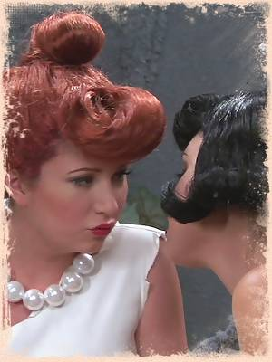 The Flintstones - Brooke Lee Adams, Hayden Winters, Hillary Scott, Misty Stone