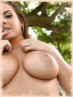 The voluptuous Keisha Grey is here today and she is extra sexy. Watching her oil her beautiful tits up and then wrap them around our stud's cock makes us know why we missed her at TeamSkeet.